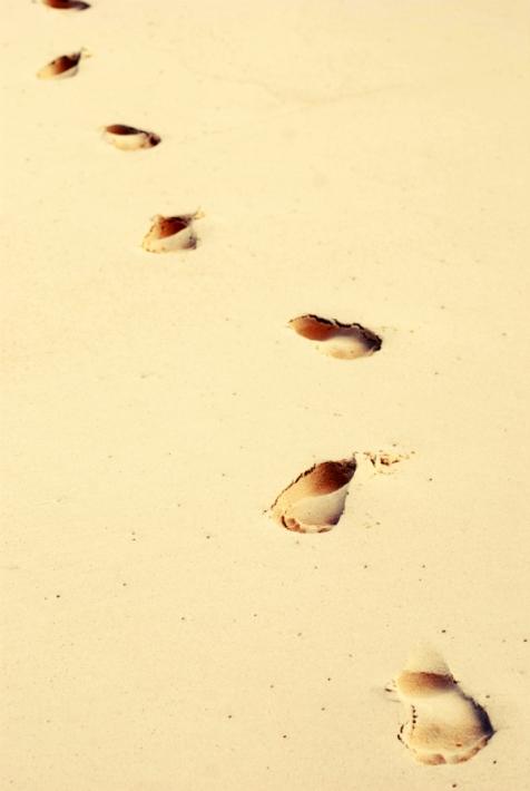 Foto passos na areia